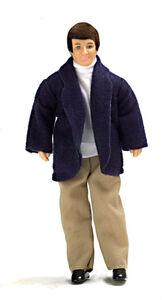 Мужчина в светлых брюках, 15,2 см, кукольная миниатюра 1:12 (Dollhouse), Premium арт. 00018 (Pr)