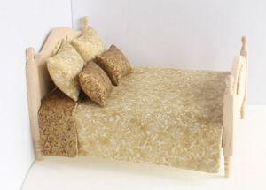 """Комплект """"Gold"""", покрывало двустороннее 18х19,5 см, 2 подушки 4,5х5,5 см, 2 подушки 3,5х4,5 см, х/б, кукольная миниатюра 1:12 (Dollhouse), Dollsmini арт. 01.0487/5 (dh)"""