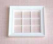 Окно с наличником, 9,1*9,1 см (11,0*10,7 см), пластик, кукольная миниатюра 1:12 (Dollhouse), Dollsmini арт. 01.0939/4_32 (mf)