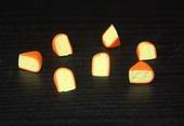 Кусочек сыра, 1,3-1,5 см, 1 шт.,кукольная миниатюра 1:12 (Dollhouse), Dollsmini арт. 01.0976/3 (dh)
