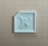 Потолочная панель с декором, под вставку для крепления светильника, 4,0*4,0 см, пластик, кукольная миниатюра 1:12 (Dollhouse), Dollsmini арт. 01.0979/4_5 (mf)