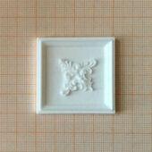 Потолочная панель с декором, 4,0*4,0 см, пластик, кукольная миниатюра 1:12 (Dollhouse), Dollsmini арт. 01.0980/4_5 (mf)