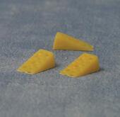 Кусочек сыра, 1 шт., кукольная миниатюра 1:12 (Dollhouse), Babettes арт. D75071 (mm)