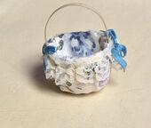 Декорированная корзинка, 2,8х4 см, кукольная миниатюра 1:12 (Dollhouse), Premium арт. MA8413 (mm)